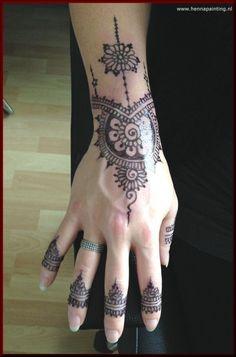 Jagua Tattoo Hand Jagua Tattoo, Jagua Henna, Henna Mehndi, Hand Henna, Piercing Tattoo, Piercings, Hand Tattoos, Tattoo Shop, Amsterdam