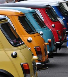 A board dedicated to classic cars & motorcycles ~ A rainbow of vintage Mini Coopers Mini Morris, Mini Coopers, Mini Clubman, Mini Countryman, Fiat 500, Mini Cooper Clasico, My Dream Car, Dream Cars, Classic Mini
