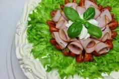 Tarun Magic Cakes: Round ham sandwich cake (about 25 people) Big Sandwich, Sandwich Cake, Sandwiches, Ladies Luncheon, No Salt Recipes, Honey Cake, Great Appetizers, Cheesecakes, Cabbage
