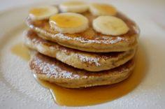 Cake sans gluten a la banane Clem Sans Gluten, Dessert Sans Gluten, Gluten Free Pancakes, Coconut Flour, Free Food, Low Carb, Healthy Recipes, Healthy Food, Yummy Food