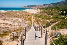 Pomysły na jednodniową wycieczkę z Lizbony - Duże Podróże Wind Turbine