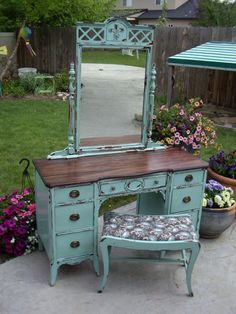 39 Ideas For Makeup Vanity Redo Diy Shabby Chic Distressed Furniture, Repurposed Furniture, Shabby Chic Furniture, Painted Furniture, Refinished Furniture, Furniture Refinishing, Vintage Furniture, Furniture Projects, Furniture Makeover