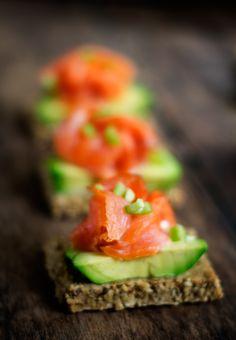 Paperback: Avocado & Salmon Montadito