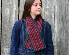 Items similar to Crimson and Evergreen Short Scarf Hand Crocheted Wool and Alpaca, Crocheted Scarflett, Christmas, Red and Green on Etsy Crochet Wool, Crochet Scarves, Hand Crochet, Short Scarves, Handmade Scarves, Cascade Yarn, Stitch Design, Red Christmas, Evergreen