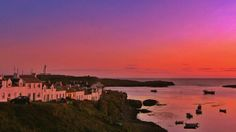 VisitScotland ‏@VisitScotland Red sky at night, fisherman's delight ;-) Great pic RT @StuMacf: Fishermens cottages, Portnahaven, Islay