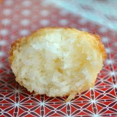 mmmmmh bouchées coco IG bas Recettes Anti-candida, Dessert Ig Bas, Breakfast Muffins, Beignets, Biscotti, Good Food, Brunch, Food And Drink, Low Carb
