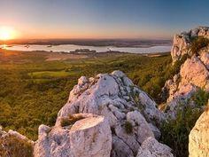 The Moravian sea in Pálava European Countries, Bratislava, Nature Photos, Czech Republic, Prague, Places Ive Been, Castle, Landscape, World