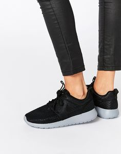Nike+Roshe+Run+Black+