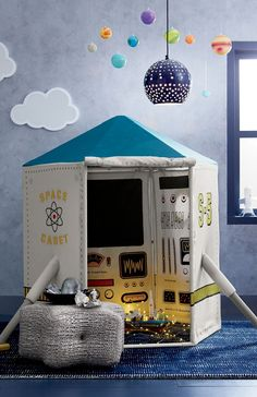 We may not be rocket scientists, but we know a state-of-the-art spaceship playhouse when we see one. For instance, this particular model has everything you need for a smooth make-believe ride to Mars. Boys Space Bedroom, Outer Space Bedroom, Solar System Room, Space Themed Nursery, Baby Boy Rooms, Kid Spaces, Room Themes, Play Houses, Decoration
