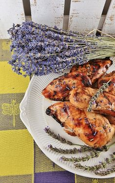 Roasted lavender chicken. Lavender Chicken, Honey Chicken, Lavender Honey, Lavender Fields, Grilled Chicken, New Recipes, Cooking Recipes, Favorite Recipes, Healthy Recipes