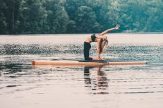 Why Stand Up Paddle Board Yoga Is The Best Summer Workout - Camille Styles Paddle Board Yoga, Standup Paddle Board, Sup Girl, Yoga Position, Sup Stand Up Paddle, Upward Facing Dog, Muscle Building Tips, Taking A Knee, Sup Yoga