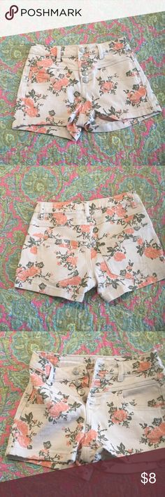 """Delia's Shorts Excellent using condition, 98% cotton, 2% spandex Shorts. Measurements taken laying flat: waist - 12"""", length - 11. From smoke free home. Make me an offer Delia's Shorts"""