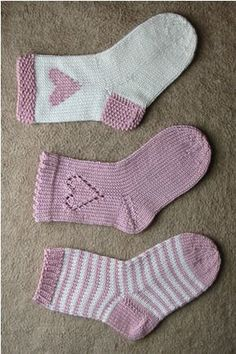 Baby Knitting Patterns Mittens Ulla - Patterns - Hearts and stripes Crochet Socks, Knitting Socks, Crochet Baby, Knit Crochet, Knitting For Kids, Baby Knitting, Barbie Knitting Patterns, Wool Socks, Kids Fashion