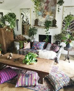 Always so inspired by @atlantishome Lush throw pillows & those plants