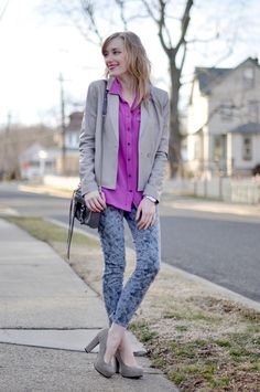 mono print jeans + saturated blouse + neutral jacket and heels // @dressmeSue