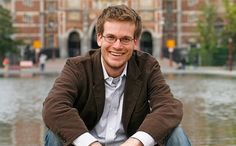 "John Green Films Cameo For ""Paper Towns"" Movie"