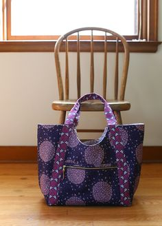 Poolside Tote bag made using Biology fabric for Cloud 9 Fabrics by Sarah Watson.
