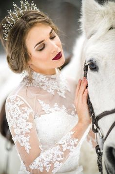 Stunning Bridal Crown by Olga Delice Crown Hairstyles, Wedding Hairstyles, Dark Red Lips, Bride Tiara, Bridal Hair Flowers, Bridal Crown, Hair Comb Wedding, Bride Makeup, Wedding Tiaras