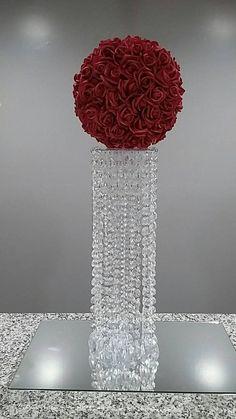Chandelier Centerpiece, Crystal Centerpieces, Tall Wedding Centerpieces, Vase Centerpieces, Centerpiece Ideas, Masquerade Centerpieces, Diy Chandelier, Crystal Decor, Vases