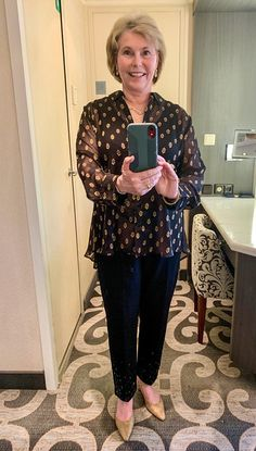 A boomer woman models an Alaska cruise formal night outfit consisting of black pants and gold and black top. Read more Alaska cruise fashion tips. Packing For Alaska, Packing List For Cruise, Alaska Trip, Cruise Tips, Honeymoon Cruise, Cruise Travel, Cruise Formal Night, Cruise Fashion, Alaskan Cruise