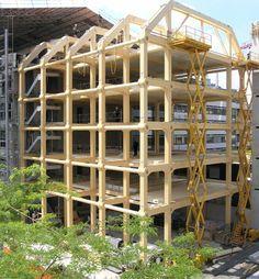 """""""Para Shigeru Ban, la sustentabilidad no es un concepto que se pueda añadir después de los hechos, sino que es un factor intrínseco a la arquitectura."""" - Edificio de Oficinas Tamedia – Zurich, Suiza, 2013."""