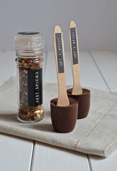 rezept und anleitung schokolade am stiel als geschenkidee am. Black Bedroom Furniture Sets. Home Design Ideas