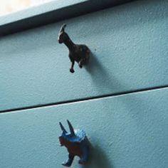 Chest drawer knobs