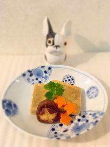Nimono de kōya-dōfu (tofu sec) 高野豆腐の煮物 Tofu, Breakfast, Desserts, Morning Coffee, Tailgate Desserts, Deserts, Postres, Dessert, Plated Desserts