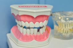 Preparing for Your First Orthodontic Appointment [Mcdermott Orthodontics] Remedies For Tooth Ache, Emergency Dentist, Best Teeth Whitening, Cleaners Homemade, Diy Cleaners, Bad Breath, Cosmetic Dentistry, Dental Health, Dental Care