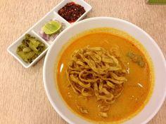 レシピとお料理がひらめくSnapDish - 12件のもぐもぐ - ข้าวซอยน่องไก่ ✨✨ Thai Northern style curry noodle /w chicken drumstick  チキンのココナッツカレーヌードル by Tuna