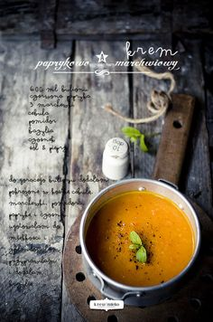 Creamy Carrot & Pepper Soup | Krew i mleko  (LOVE that photo!)