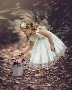 That Darling Dress by Irina Chernousova on Cute Little Girls, Little Girl Dresses, Cute Kids, Flower Girls, Flower Girl Dresses, Girl Pictures, Girl Photos, Foto Baby, Beautiful Children