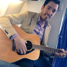 """My flight today got a little extra """"Inflight Entertainment""""! Any requests? Jonathan Scott, Drew Scott, Hgtv Designers, Scott Brothers, Property Brothers, Phan, Handsome, Guys, Celebrities"""