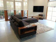 Baby Jasper, King Furniture Log Home Decorating, Interior Decorating, Interior Ideas, King Furniture, Sofa Set Designs, Living Room Cabinets, Berg, Log Homes, Interior Design Living Room