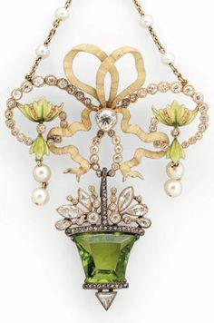 A Belle Epoque gold, enamel, diamond, pearl and peridot pendant necklace, circa 1900. In its original case singed Ch. FONTANA. #antique #BelleÉpoque