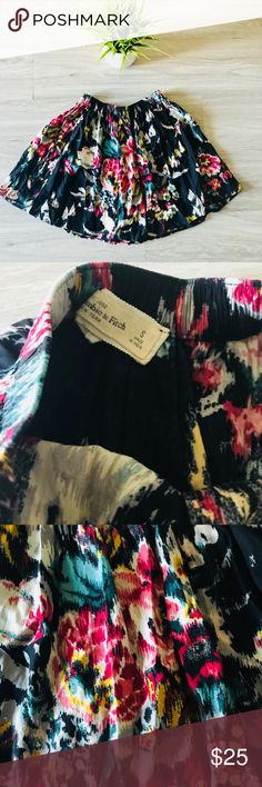 """Abercrombie & Fitch Floral Skirt Abercrombie & Fitch Floral Skirt   L 15"""" Abercrombie & Fitch Skirts Mini"""