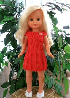 links to patterns on website Barbie, Cherie Coco, American Girl, Chloe Dress, Amelie, Baby Knitting, Baby Dress, Doll Clothes, Dresses