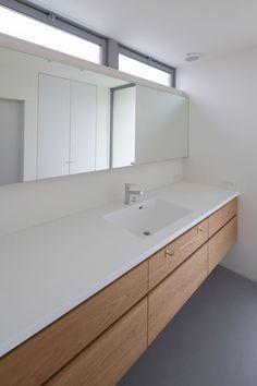 洗面|ネイエ設計 in 2020 Natural Interior, Laundry Room Design, Washroom, Interior Design Living Room, Bathtub, Bess, Mirror, House, Furniture