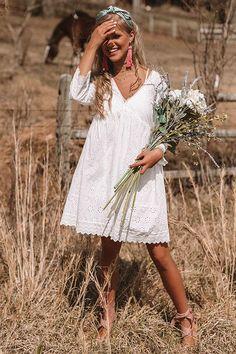 of the Best Summer Outfits Trending Now - Oscilling Picnic Outfits, Boho Outfits, Cute Outfits, 90s Fashion, Boho Fashion, Beach Dresses, Summer Dresses, All Star Branco, White Boho Dress