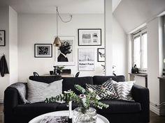 Home | interior design | decor | Details | living room | black | wood | inspiration | Flowers | wall