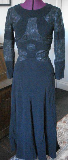 TRUE VINTAGE 1960s LOUIS FERAUD POP ART CUT OUT BLACK COCKTAIL DRESS ~ W13 1/2