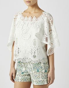 Embrace fashion's oh-so-feminine mood with our beautiful Monroe lace top. With wide sleeves and a square neckline showcasing petite florals, this breezy silh...