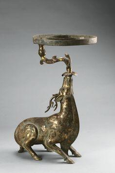 Lamp in the shape of a deer, Western Han period (206 BCE–9 CE), 2nd century BCE. unearthed from Tomb 1, Dayun Mountain, Xuyi, Jiangsu. Bronze. Nanjing Museum, EX2017.1.42. Photograph © Nanjing Museum.