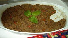 2 xícaras de trigo para kibe,  -  2 beringelas médias e picadas,  -  2 cenouras raladas no ralo grosso (cru),  - 1 cebola grande,  -  3 colheres (sopa) de hortelã,  -  4 colheres de (sopa) de azeite,  -  caldo de picanha (ou a gosto)