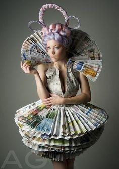 Geweldige jurk van kranten/tijdschriften