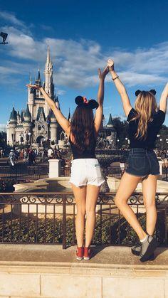 Peyton List and Kaylyn Sanz at Disneyland Disneyland Paris, Disneyland Photos, Cute Disney Pictures, Disney World Pictures, Disney World Trip, Disney Trips, Disney Poses, Disney Best Friends, Disney Parque