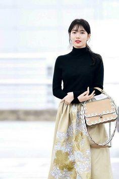 981cb7810b Fendi Bags, Tumblr Girls, Sequin Skirt, Lace Skirt, My Bags, Leather