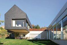 Réalisé par l'agence d'architecture Atela  Construction de maison Retrouvez la fiche sur Archidvisor