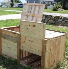 DIY compost bins are easy to make for your homestead, so it should be the last thing you have to worry about. Check out these DIY compost bins ideas and choose one that best fits your homestead. Compost Container, Soil Improvement, Garden Compost, Garden Structures, Garden Projects, Organic Gardening, Vegetable Gardening, Outdoor Gardens, Veggie Gardens