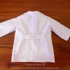 Val Spiers Sews Doll Clothes: Doll Lab Coat Fashion File no.8 Using Doll shirt pattern and adding length tutorial